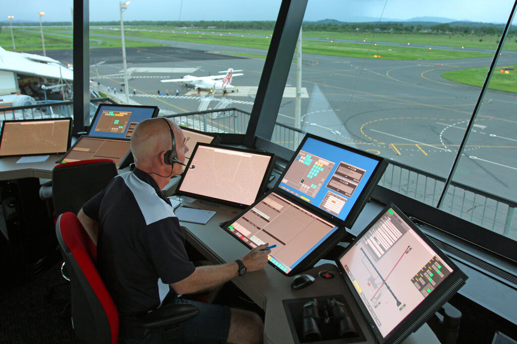 Air Traffic Management – Max Aero